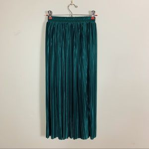 Abercrombie & Fitch Pleated Green Satin Midi Skirt